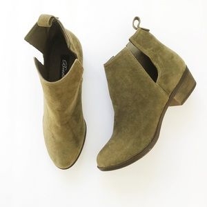 3 for $15 I Breckelles olive booties